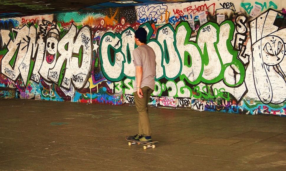 Skating in Southbank