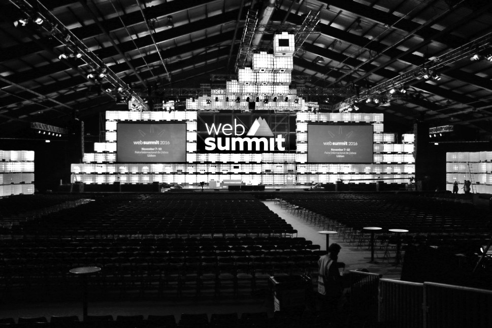 Back Shot web Summit empty (2)
